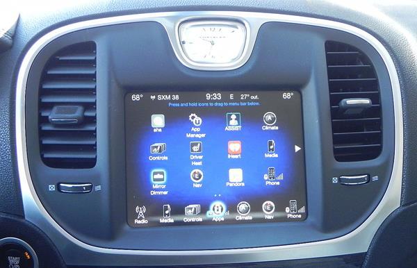 2016 Chrysler 300 - infotainment 1 - AOA1200px (Copy)