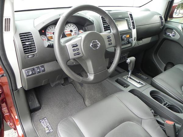 2016 Nissan Frontier - interior 1 - AOA1200px