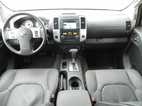 2016 Nissan Frontier - interior 5 - AOA1200px