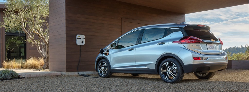 2017 Chevrolt Bolt-recharging