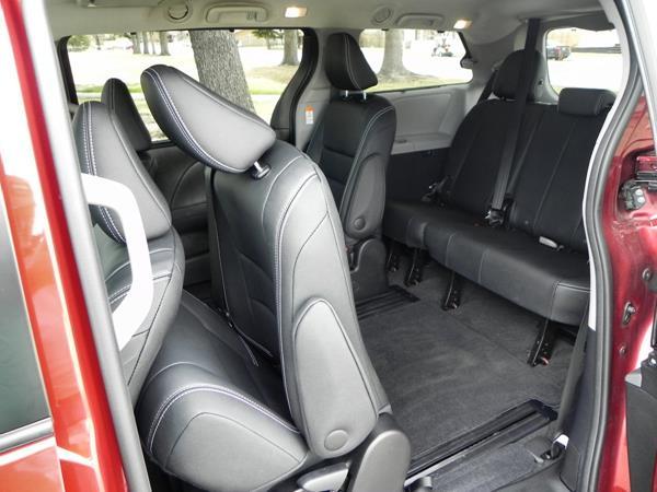 2015 Toyota Sienna - interior 4 - AOA1200px