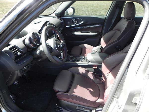 2016 BMW Mini Cooper Clubman - interior 1 - AOA1200px