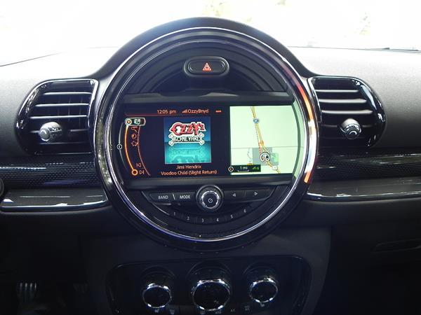 2016 BMW Mini Cooper Clubman - interior 3 - AOA1200px