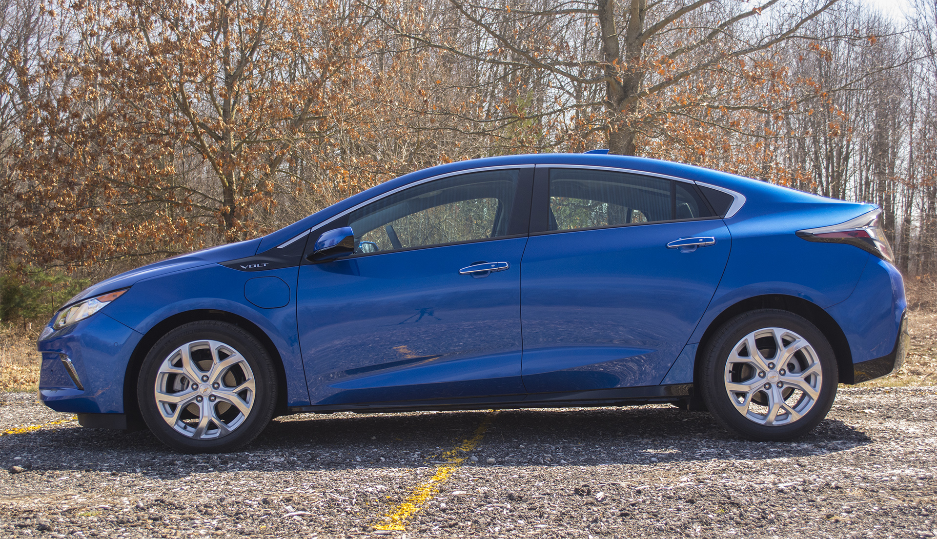 Elegant Review 2016 Chevrolet Volt Stands Out Among EVs