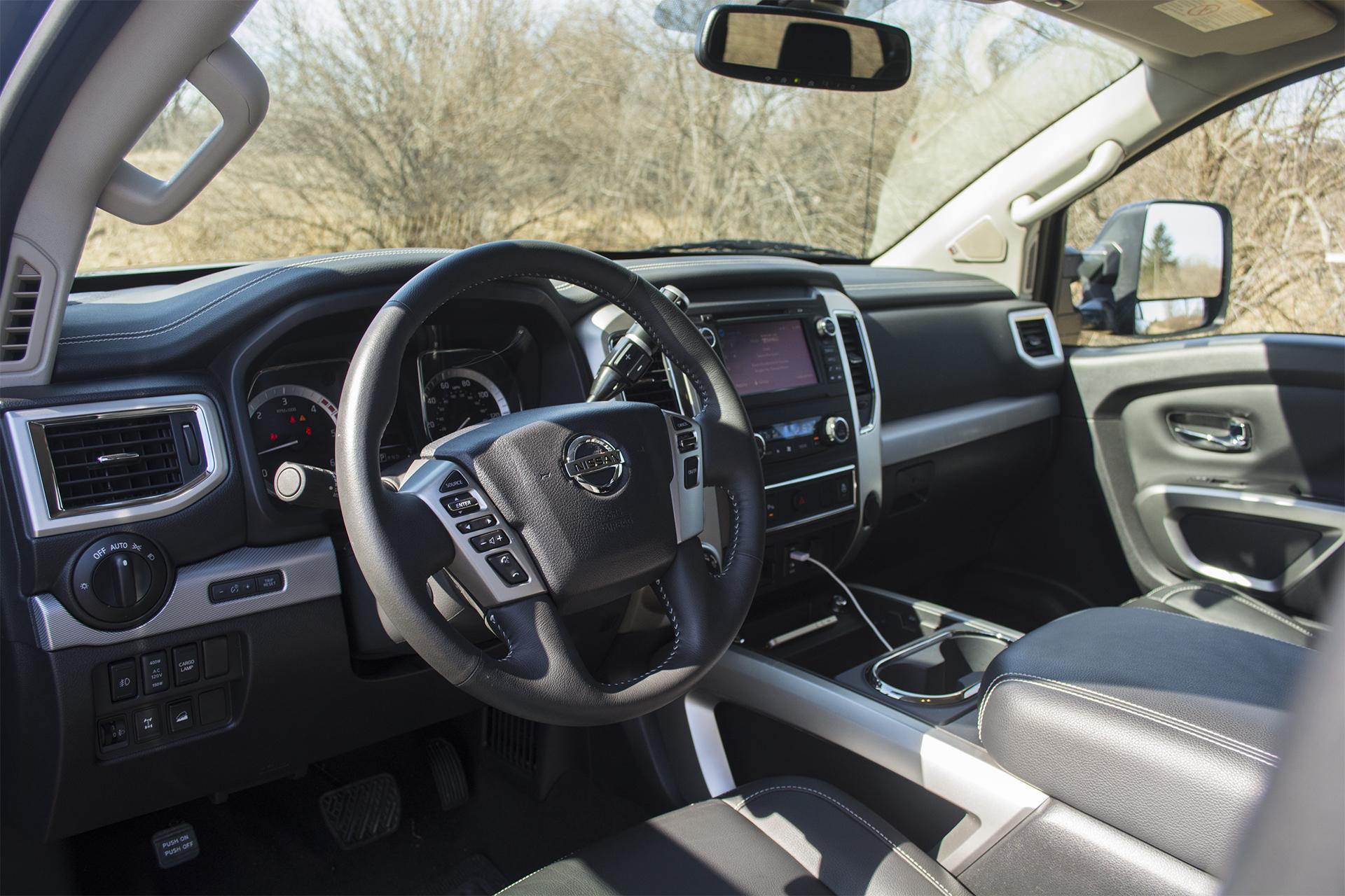 2016 Nissan Titan XD Pro-4X 9