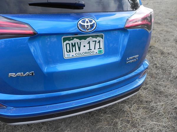 2016 Toyota RAV4 Hybrid - 11 - AOA1200px