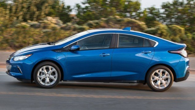 2017 Chevrolet Volt-road