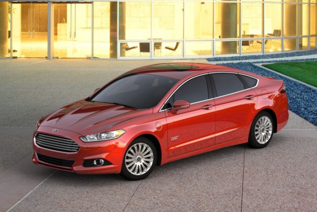 2016 Ford Fusion Energi-red