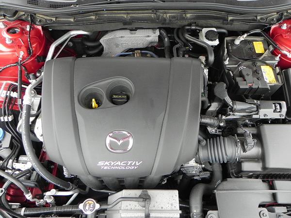 2016 Mazda Mazda3 - engine 1 - AOA1200px