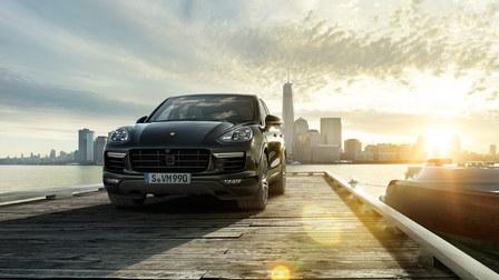 2016 Porsche Cayenne-dock