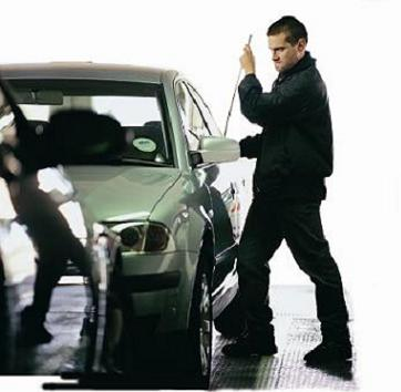 Car theft in progress