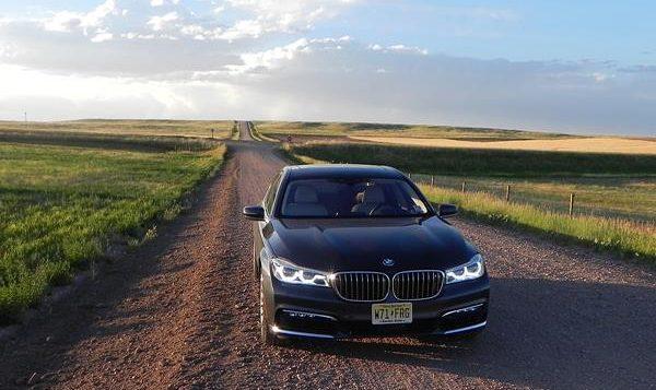 2016 BMW 750i - 3 - AOA1200px