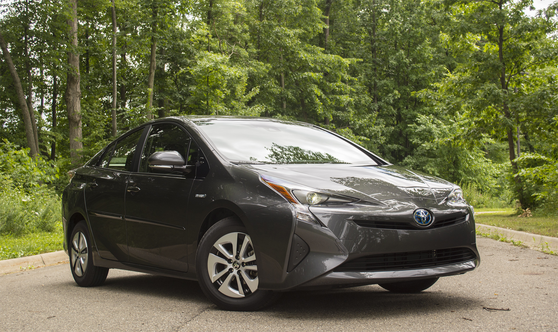 2016 toyota prius. Black Bedroom Furniture Sets. Home Design Ideas