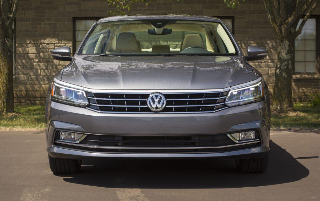 2016 Volkswagen Passat V6 SEL Premium 1
