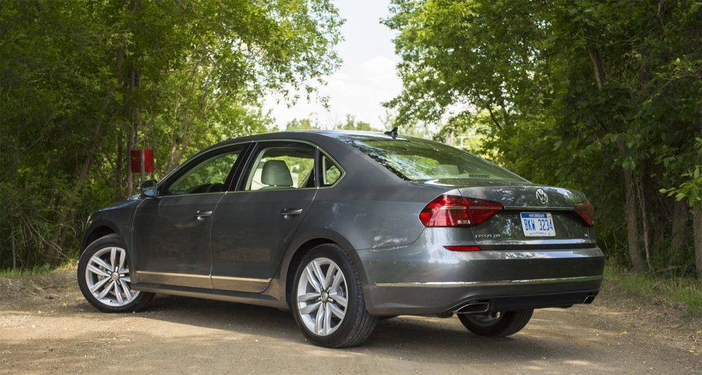 2016 Volkswagen Passat V6 SEL Premium 5