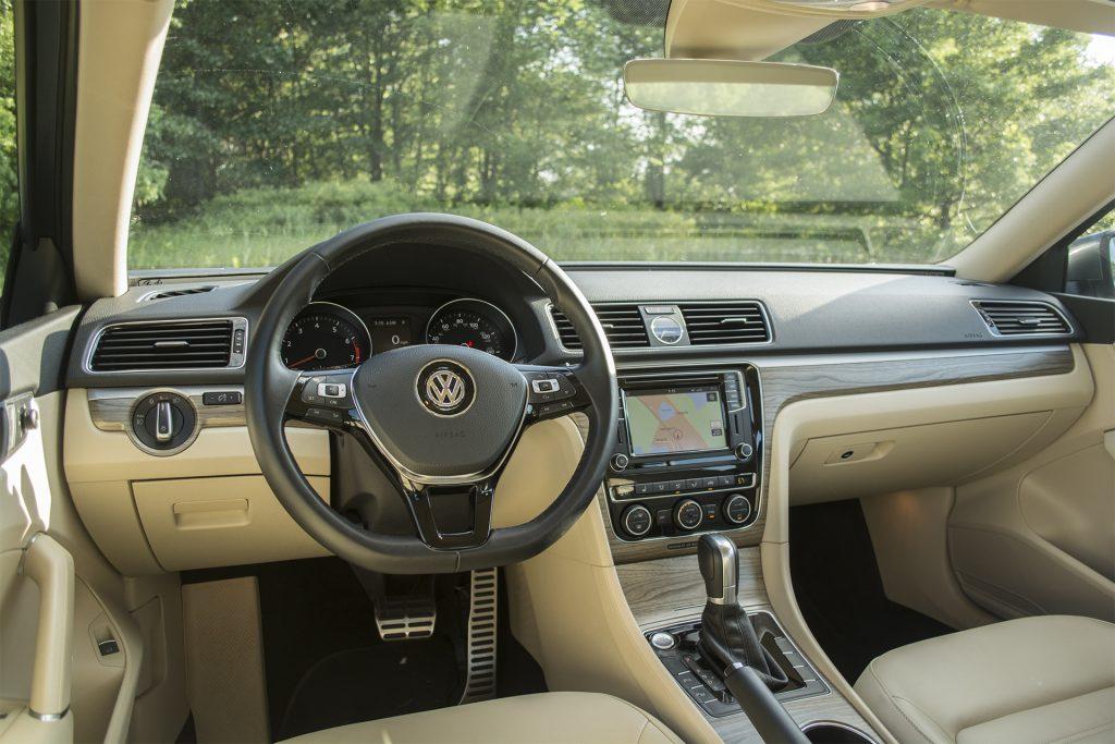 2016 Volkswagen Passat V6 SEL Premium 7