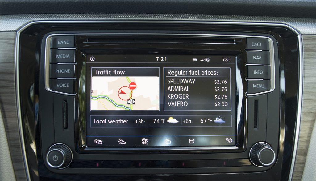 2016 Volkswagen Passat V6 SEL Premium 8