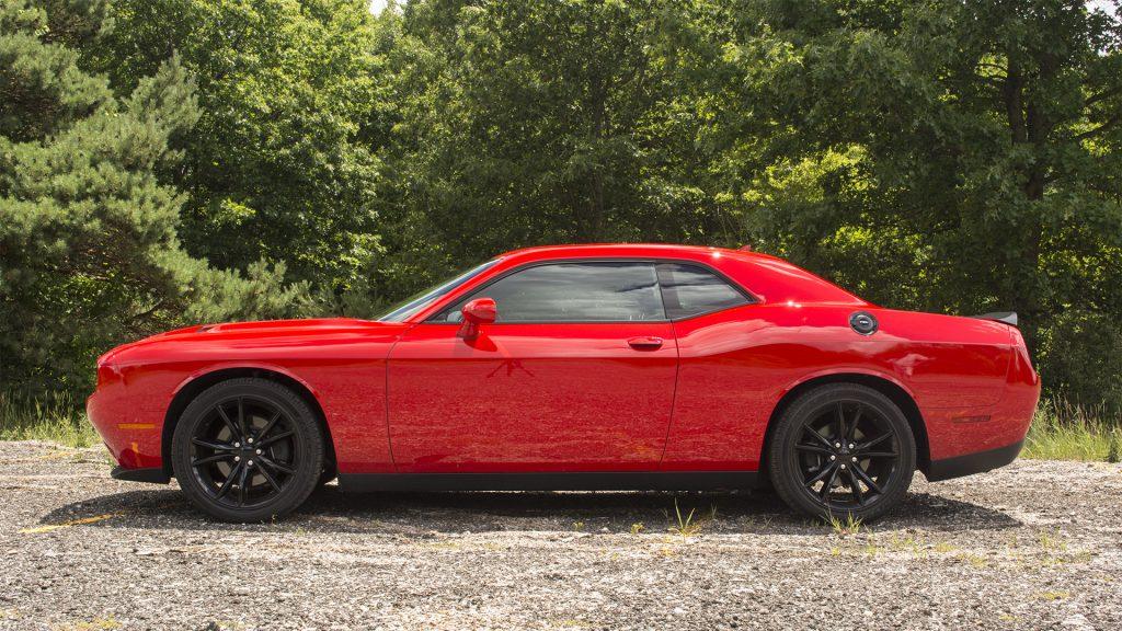 2016 Dodge Challenger SXT Blacktop 2