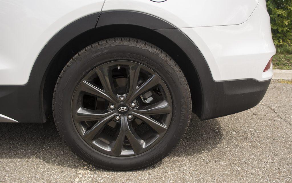 2017 Hyundai Santa Fe Sport 2.0T Ultimate 4
