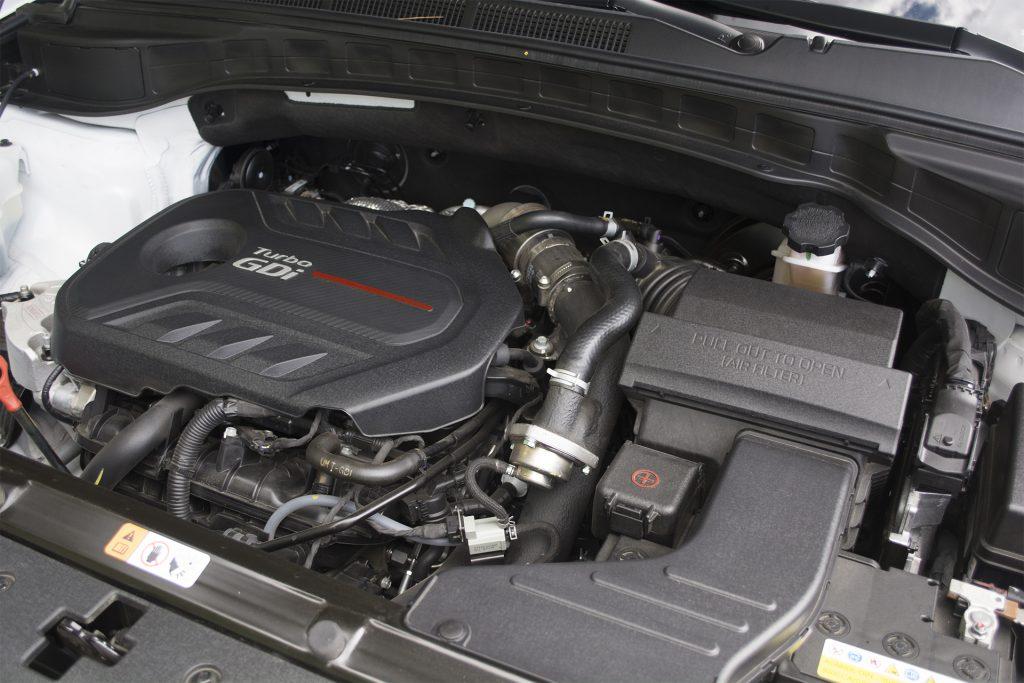 2017 Hyundai Santa Fe Sport 2.0T Ultimate 8
