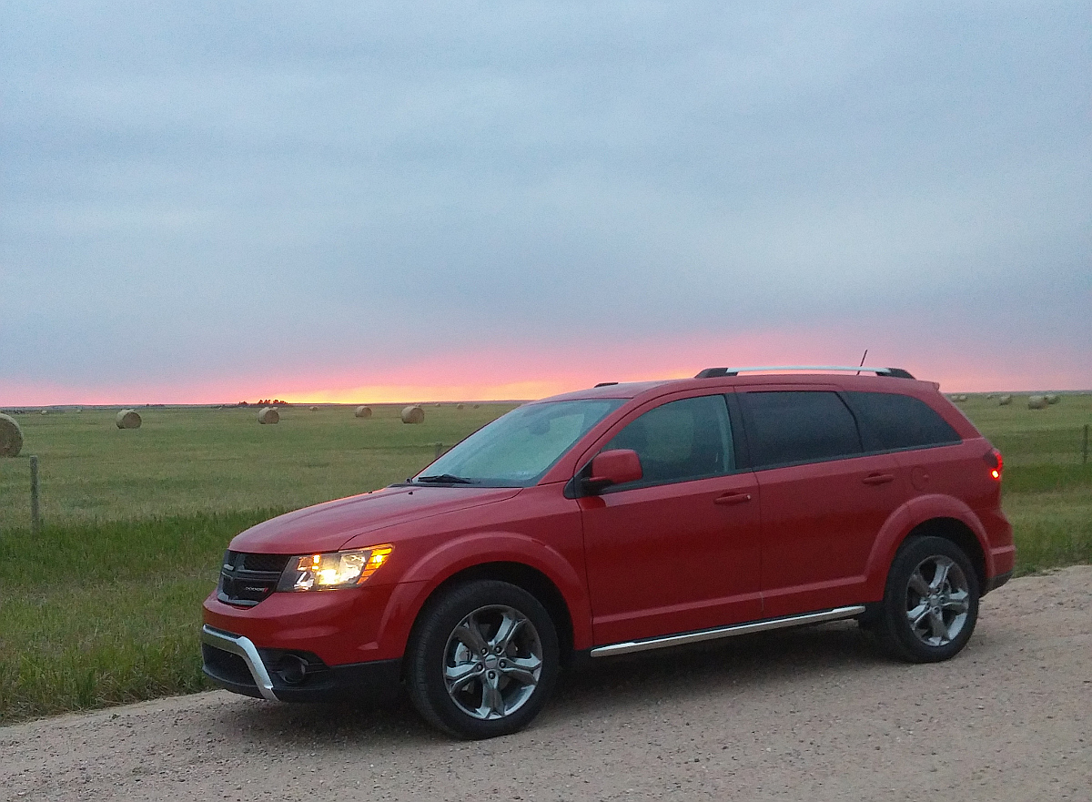 review 2016 dodge journey is budget friendly 3 row. Black Bedroom Furniture Sets. Home Design Ideas