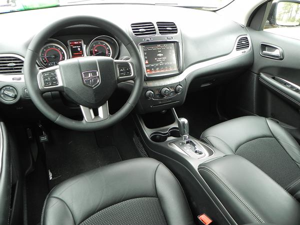 2016 Dodge Journey - interior 6 - AOA1200px