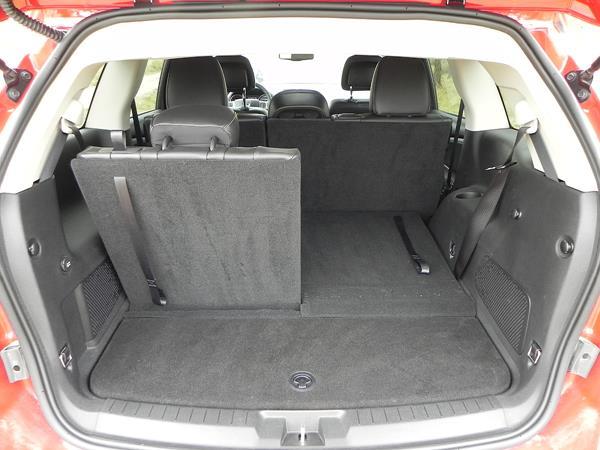 2016 Dodge Journey - interior 7 - AOA1200px