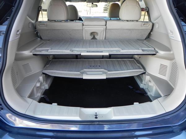 Nissan Rogue - divide-n-hide - AOA1200px