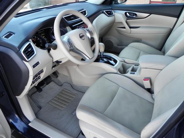 Nissan Rogue - interior 2 - AOA1200px