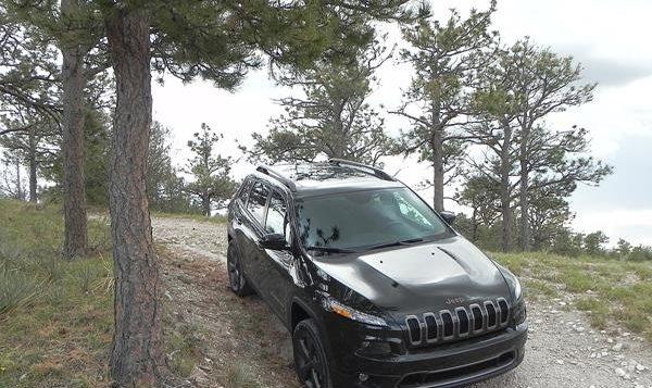 2016 Jeep Cherokee - 19