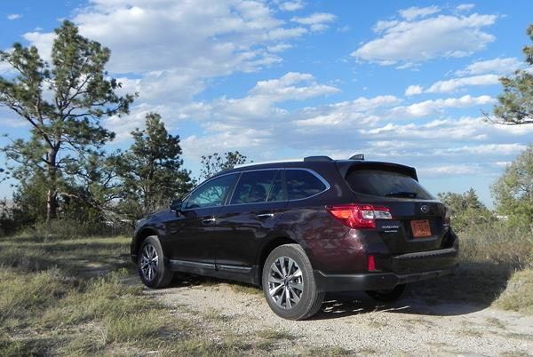 review 2017 subaru outback is top crossover wagon choice. Black Bedroom Furniture Sets. Home Design Ideas