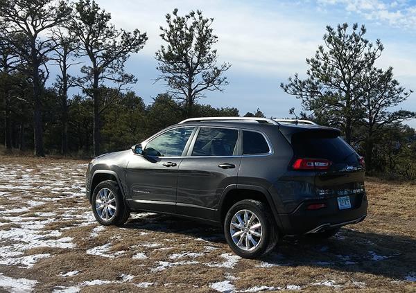 2017-jeep-cherokee-4