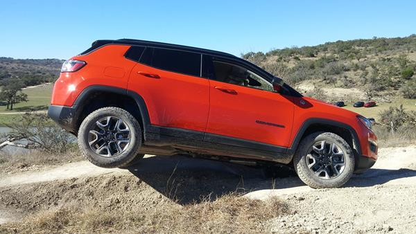 2017-jeep-compass-4-aoa