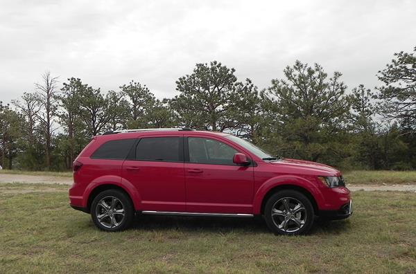 2016-dodge-journey-12-aoa1200px