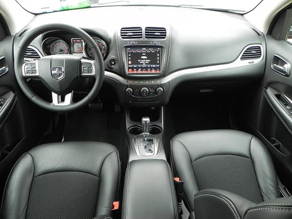 2016-dodge-journey-interior-5-aoa1200px