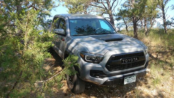 2017-toyota-tacoma-trd-pro-8