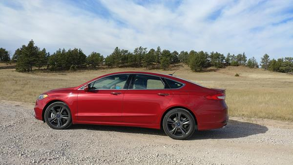 2017-ford-fusion-1