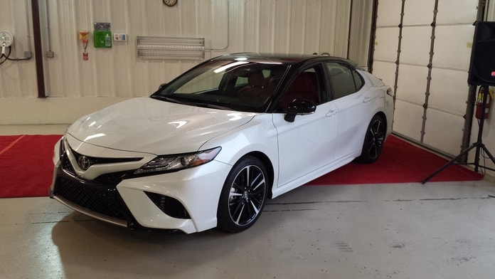 camry-18-my-pick-white-v6