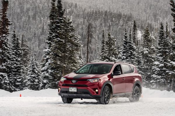 2018 Toyota RAV4 iseecars review