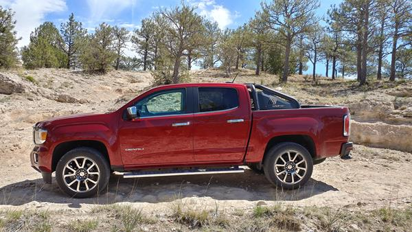 Review 2018 Gmc Canyon Delivers Midsize Like A Full Size