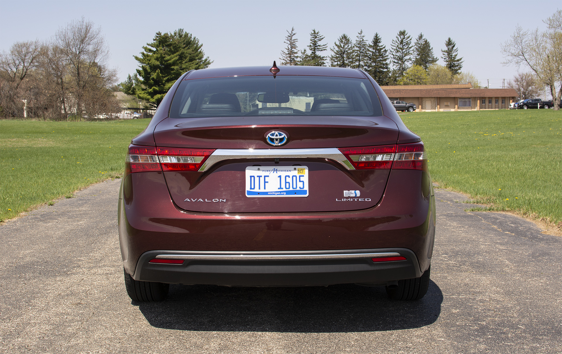 2018-toyota-avalon-hybrid-limited-3