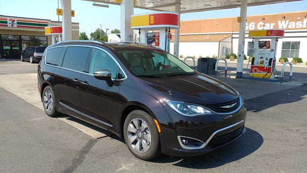 2018-chrysler-pacifica-hybrid-1