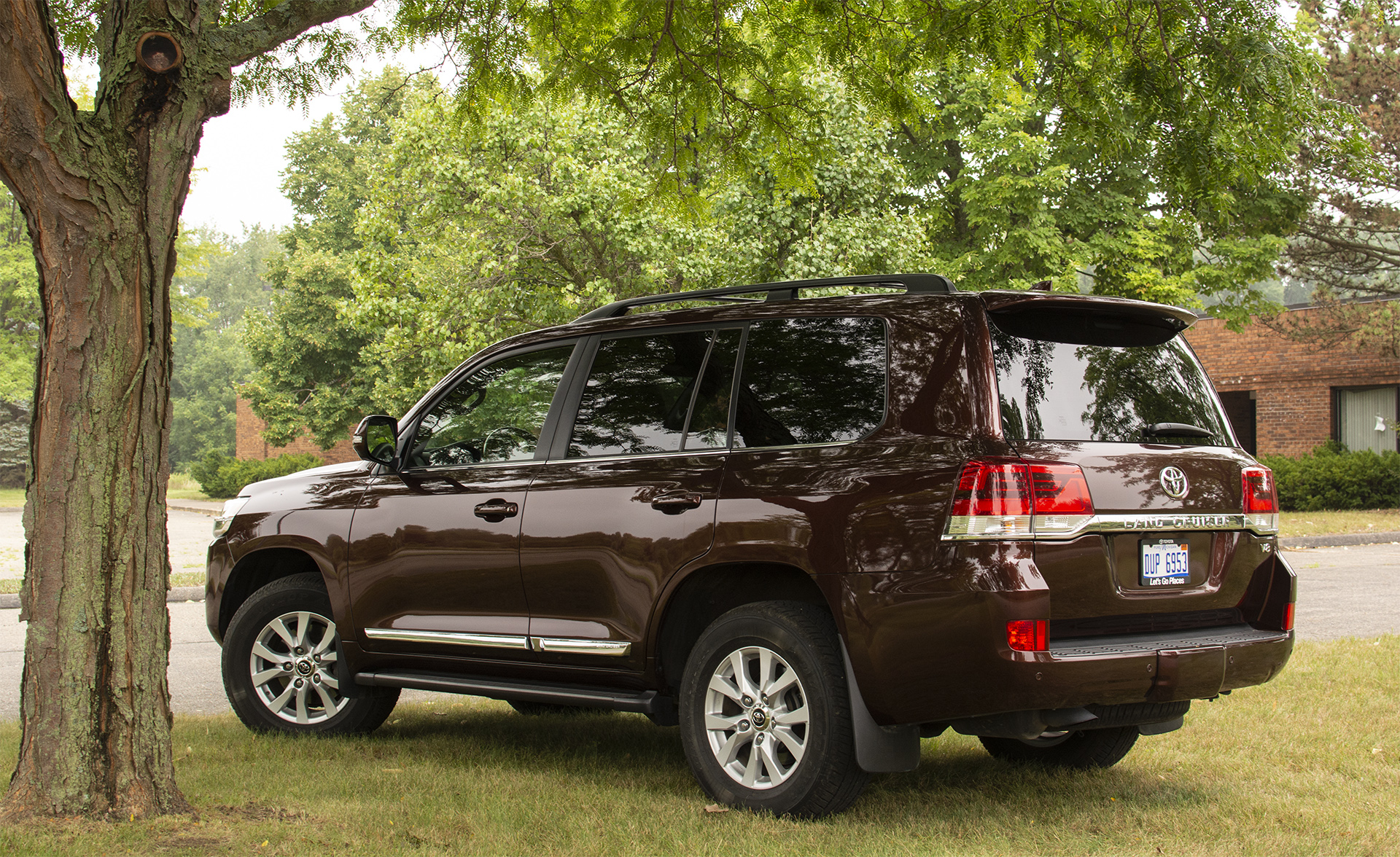 2018-toyota-land-cruiser-7