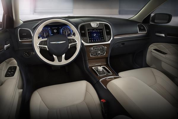 2019 Chrysler 300C - interior