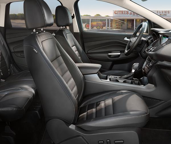 2019 Ford Escape Titanium - passenger side interior