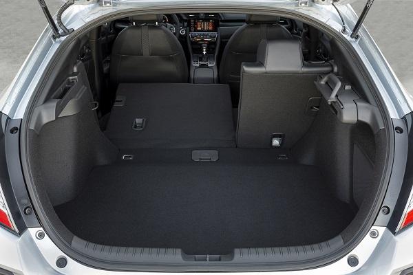 2020-honda-civic-hatchback-sport-touring-068-1200x800